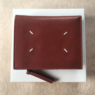 マルタンマルジェラ(Maison Martin Margiela)の新品 メゾン マルジェラ 折り財布 グレインレザー メンズ ブラウン 財布(折り財布)