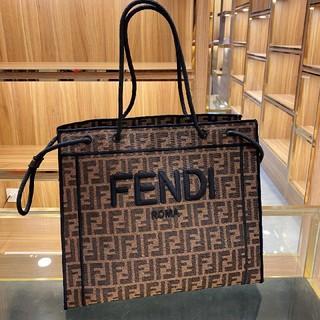 フェンディ(FENDI)のFENDI フェンディ 大人気 トートバッグ tote bag ハンドバッグ(トートバッグ)