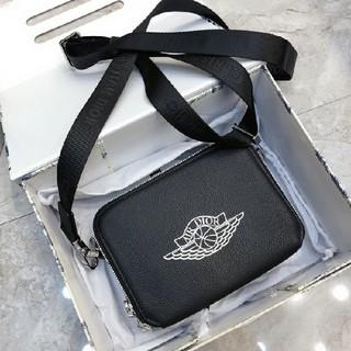 ディオール(Dior)のDIOR AIR JORDAN コラボ ショルダーバッグ メッセージバッグ (ショルダーバッグ)