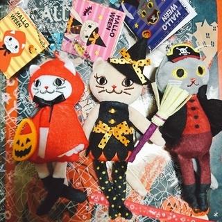 カルディ(KALDI)のカルディ ハロウィン くたくたネコちゃん 3種セット 紙袋付(キーホルダー)