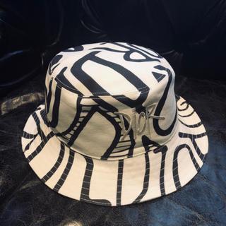 ディオールオム(DIOR HOMME)の入手困難!新作 ディオール & Stussy ショーン バケットハット 帽子(ハット)