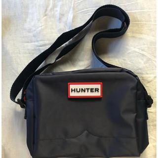 ハンター(HUNTER)の[限定色]HUNTER BRAND BOOK ネイビー ver. (バックのみ)(ショルダーバッグ)