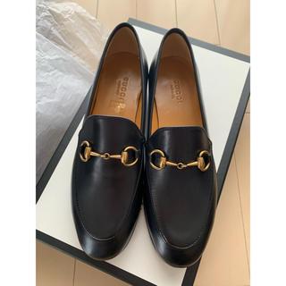 グッチ(Gucci)のGUCCI グッチ ローファー ヨルダーン 35 22.5 黒(ローファー/革靴)