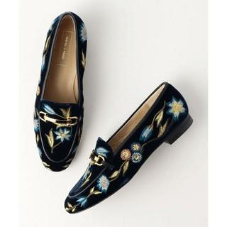 オデットエオディール(Odette e Odile)のオデットエオディール未使用22.5size🌟刺繍(ローファー/革靴)