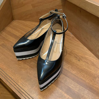 ジーヴィジーヴィ(G.V.G.V.)のG.V.G.V.  T STRAP POINTED TOE WEDGES(ハイヒール/パンプス)