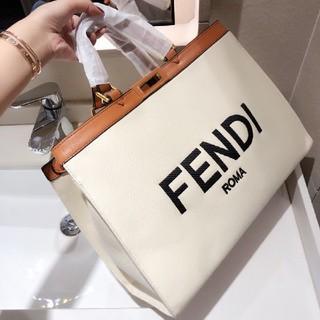 フェンディ(FENDI)のFendi ハンドバッグ(トートバッグ)