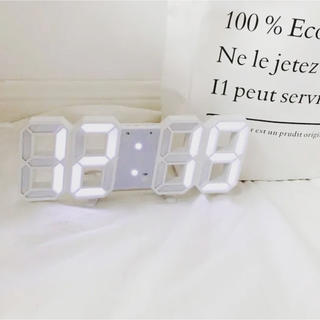 フランフラン(Francfranc)のシンプル✨LEDオシャレ時計⏰【新品】(置時計)