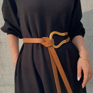 トーガ(TOGA)のBuckle belt BROWN No.453(ベルト)