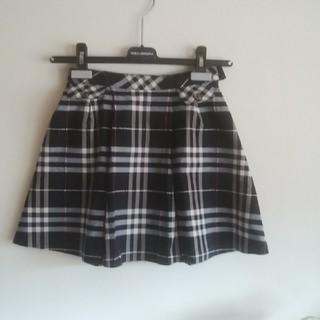 バーバリー(BURBERRY)のBURBERRY♡130スカート黒ベース(スカート)