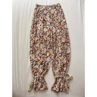 ロキエ(Lochie)のvintage flowers pants(カジュアルパンツ)