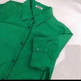 アクネ(ACNE)のアクネ  シャツ グリーン 美品(シャツ/ブラウス(半袖/袖なし))