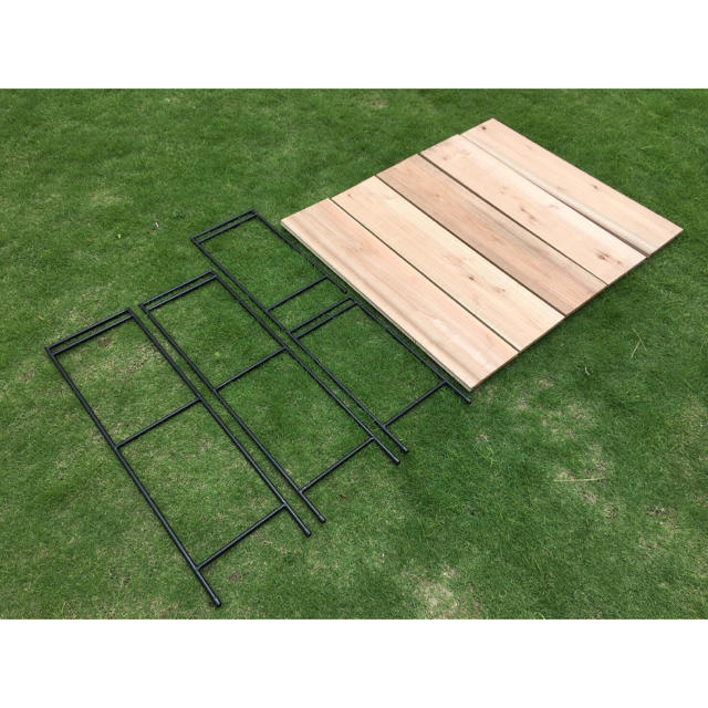 アイアンラック 2段2脚  3段2脚  杉板5枚 // 棚 シェルフ ラック インテリア/住まい/日用品の机/テーブル(アウトドアテーブル)の商品写真