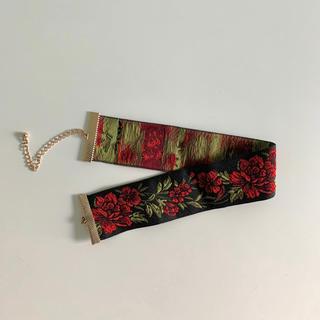 エイチアンドエム(H&M)のチョーカー 花柄刺繍(ネックレス)