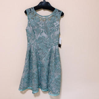 リリーブラウン(Lily Brown)の【新品タグつき】 リリーブラウン ドレス(ミディアムドレス)