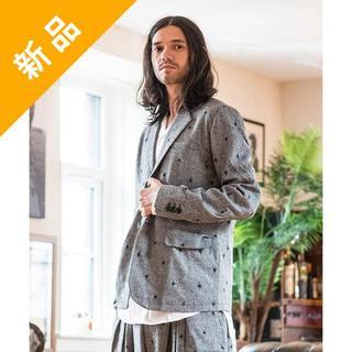 グラム(glamb)の定価3.9万・新品★glamb 星柄刺繍ウール素材テーラードジャケット グレー(テーラードジャケット)