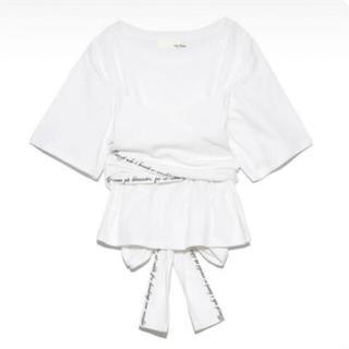 リリーブラウン(Lily Brown)のバックリボン刺繍Tシャツ(Tシャツ(半袖/袖なし))