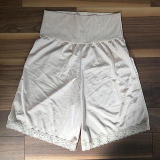 トリンプ(Triumph)のトリンプ ウェディングドレス用 ペチコート M-50(ブライダルインナー)