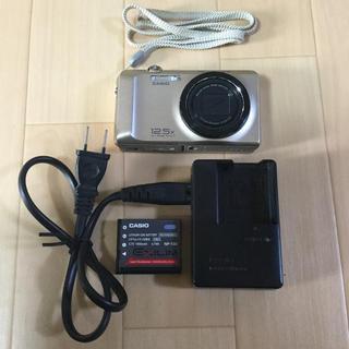 カシオ(CASIO)のデジカメ 充電器付き ジャンク品(コンパクトデジタルカメラ)