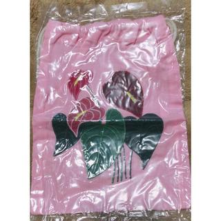 ハワイアン雑貨   巾着ポーチ  ハワイアンキルト  アンスリウム(ポーチ)