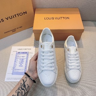 LOUIS VUITTON - LOUIS VUITTON  スニーカー