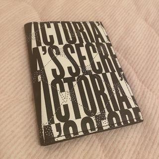 ヴィクトリアズシークレット(Victoria's Secret)のヴィクトリアシークレット パスケース(パスケース/IDカードホルダー)