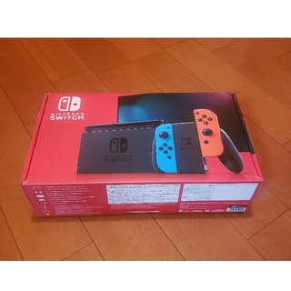 ニンテンドースイッチ(Nintendo Switch)の新品 任天堂 Switch 本体 新型モデル スイッチ(家庭用ゲーム機本体)