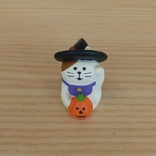 デコレ  コンコンブル  concombreハロウィン  招き猫(置物)
