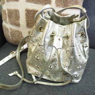 ジミーチュウ(JIMMY CHOO)の正規品☆ジミーチュウ 巾着バッグ ドローストリング シルバー バッグ 財布(ショルダーバッグ)