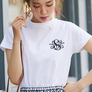 チェスティ(Chesty)のお値下げ中川人美帆 SVTロゴ刺繍Tシャツ 新品未使用(Tシャツ(半袖/袖なし))