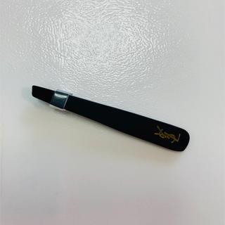 イヴサンローランボーテ(Yves Saint Laurent Beaute)の【新品未使用】イヴ サンローラン  ピンセット(ツィザー(毛抜き))