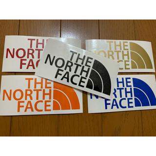 ザノースフェイス(THE NORTH FACE)のTHE NORTH FACE ロゴステッカー 即購入❌(車外アクセサリ)