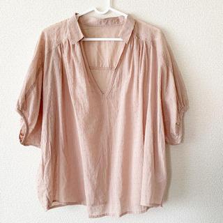 フェリシモ(FELISSIMO)の未使用 ピンク ブラウス フェリシモ(シャツ/ブラウス(半袖/袖なし))