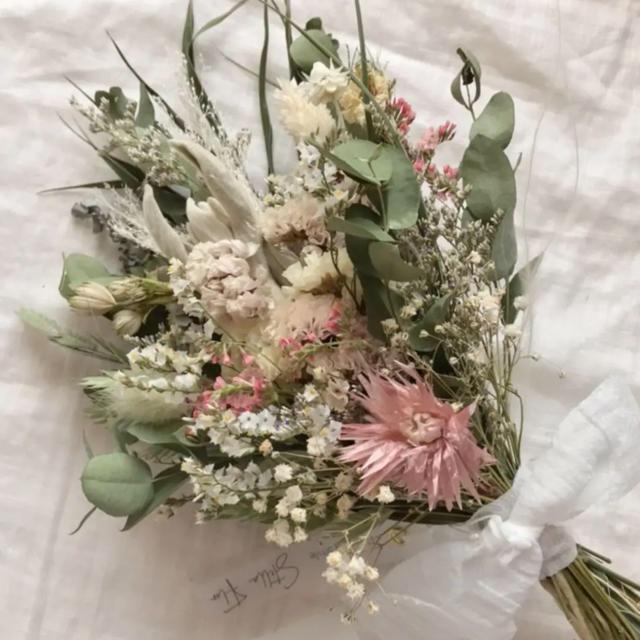 Akuri様ユーカリとシルバーデージーのモーブピンク&シルバーキャット おまとめ ハンドメイドのフラワー/ガーデン(ドライフラワー)の商品写真