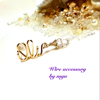 1点特価*14kgfハワイ語「Oli」×ハーキマーダイヤモンドの片耳スタッド(ピアス)