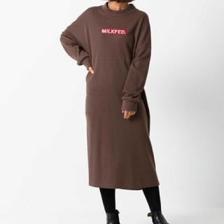 ミルクフェド(MILKFED.)のMILKFED. EMBROIDERY BAR STENCIL DRESS(ロングワンピース/マキシワンピース)
