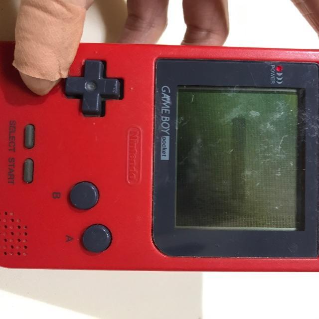 ゲームボーイ(ゲームボーイ)の9/12(19) ゲームボーイポケット(レッド) 本体 エンタメ/ホビーのゲームソフト/ゲーム機本体(携帯用ゲーム機本体)の商品写真