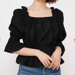 SLY - ■Ⅲスライ 未使用タグ付き SHOULDER FRILL TOPS