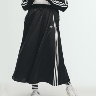アディダス(adidas)のアディダス ロングサテンスカート M 新品 タグ付き(ロングスカート)