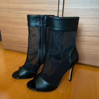 フォーエバートゥエンティーワン(FOREVER 21)のForever 21 靴(ヒール)(ブーツ)