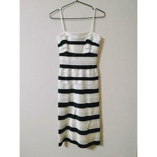 ビーシービージーマックスアズリア(BCBGMAXAZRIA)のBCBGMAXAZRIA ドレス(ひざ丈ワンピース)