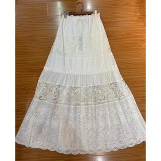 ビーシービージーマックスアズリア(BCBGMAXAZRIA)の❤️BCBG 2020新作 新品 白ロングスカート 綺麗(ロングスカート)