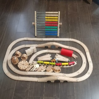 イケア(IKEA)のIKEA  そろばん  電車レール  など  木のおもちゃ色々(知育玩具)