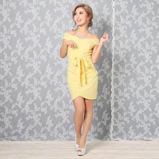 デイジーストア(dazzy store)のワンカラーオフショルリボンタイトミニドレス イエロー(ミニドレス)