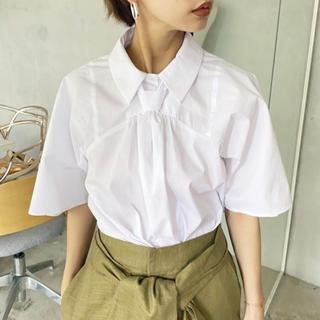 アメリヴィンテージ(Ameri VINTAGE)のTie blouse ホワイト(シャツ/ブラウス(半袖/袖なし))