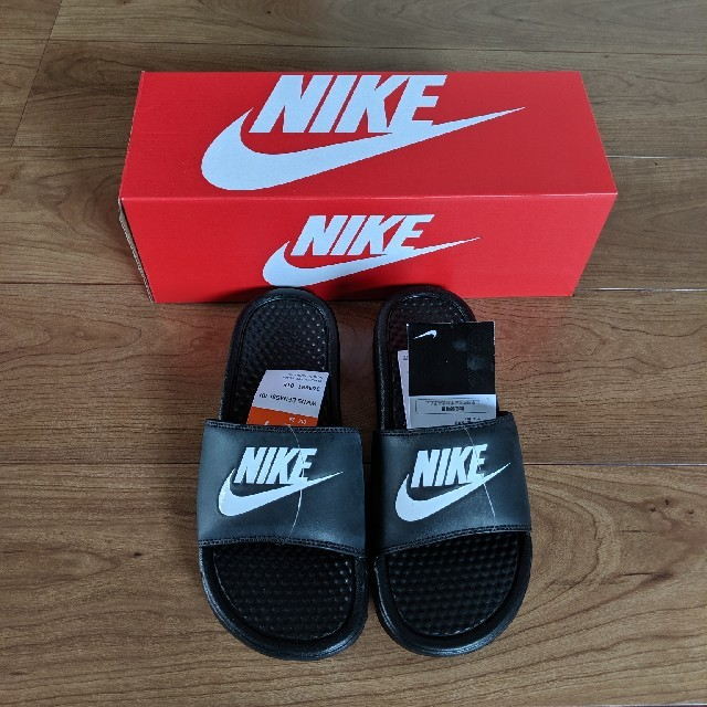 NIKE(ナイキ)のナイキ ベナッシ 新品未使用 レディースの靴/シューズ(サンダル)の商品写真
