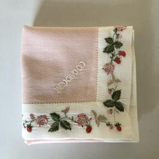 WEDGWOOD - 【WEDGWOOD】ウェッジウッド ハンカチ 刺繍 ワイルドストロベリー