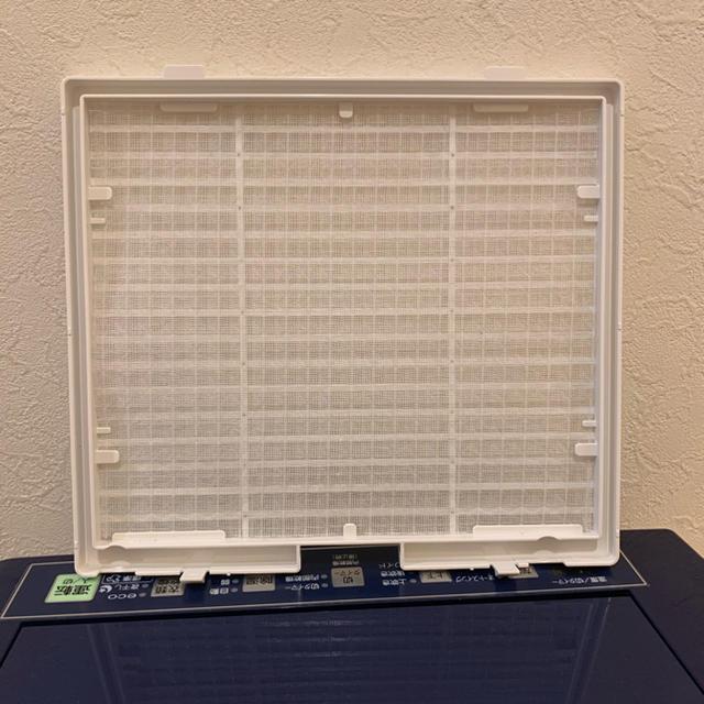 コロナ(コロナ)のコロナ 衣類乾燥除湿機 CD-H1816【2016年製】 スマホ/家電/カメラの生活家電(加湿器/除湿機)の商品写真