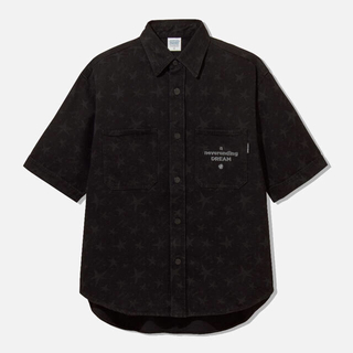 ジーユー(GU)の【定価以下】studio seven デニムワークシャツ ブラック(シャツ)