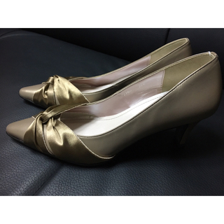 ギンザワシントン(銀座ワシントン)のワシントン 靴 未使用 23.5cm  ゴールド(ハイヒール/パンプス)
