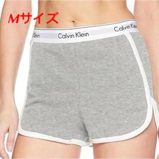 カルバンクライン(Calvin Klein)のMサイズ グレー ショートパンツ カルバンクライン(ショートパンツ)